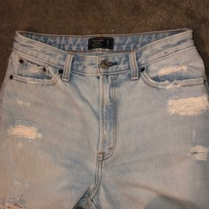 Abercrombie and Fitch mom jeans